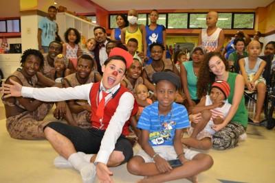Pacientes do GACC-BA recebem visita do Le Cirque